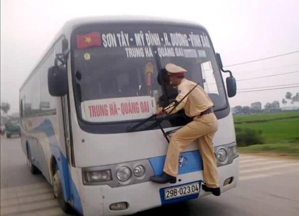 vietnam-wild-ride-cop_fran